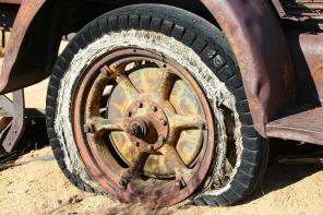 tire-416189_1920
